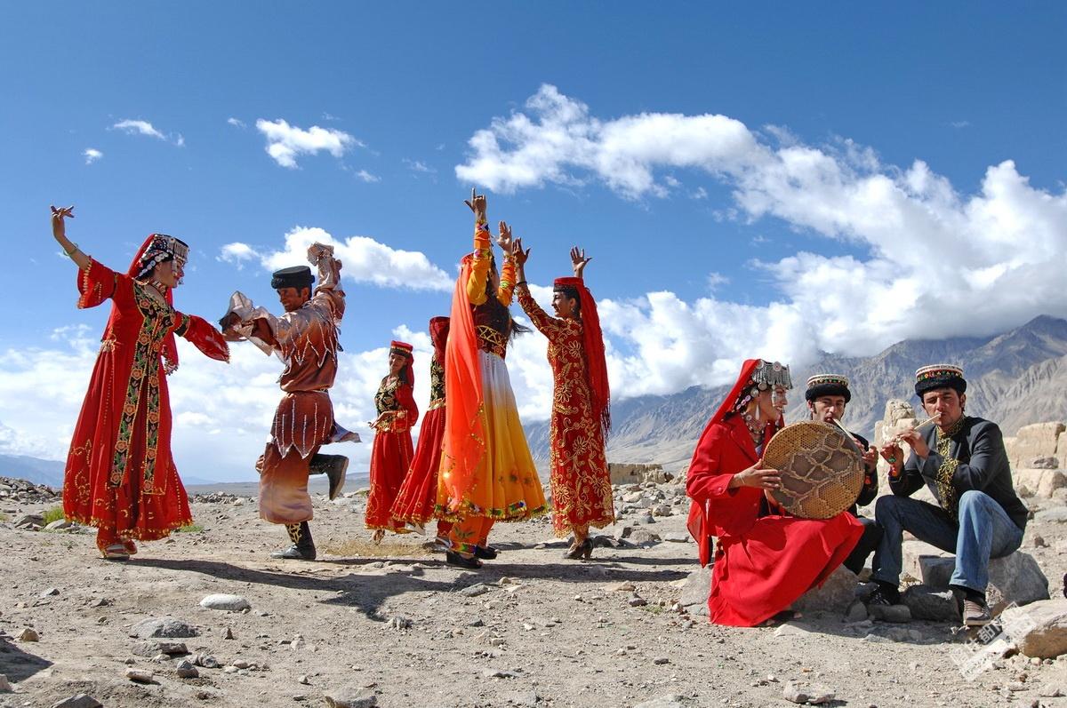 塔吉克族,生活在帕米尔高原上与鹰共舞的民族